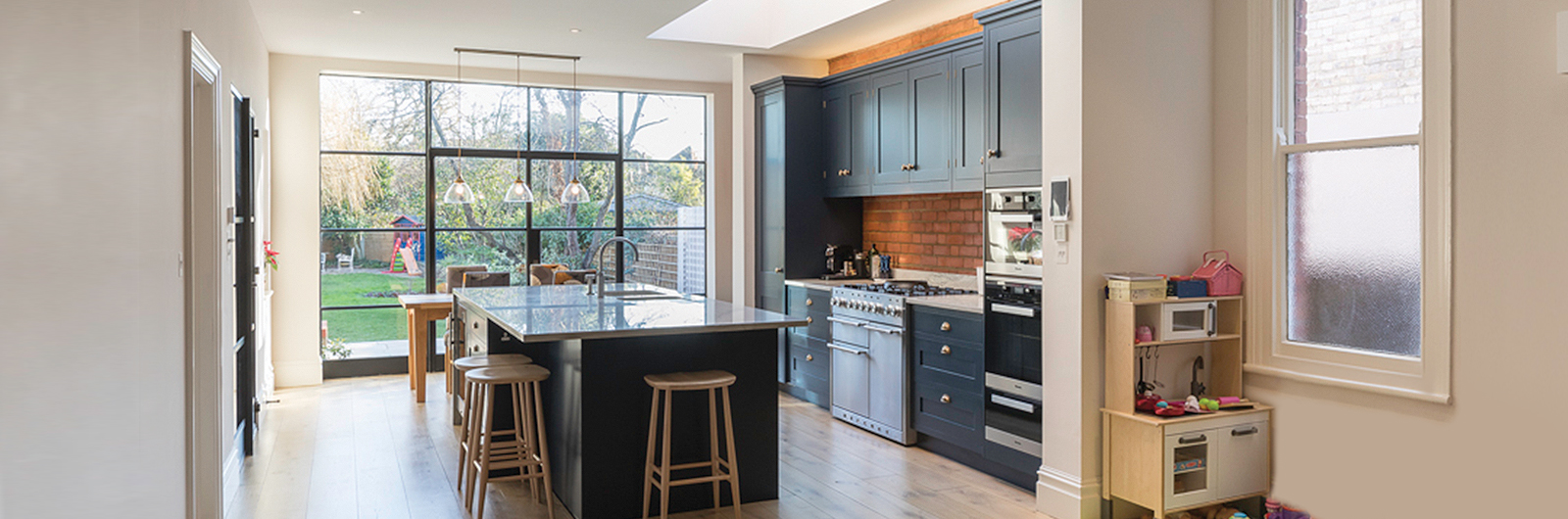 Monkhams Drive - Interior Design - Cullen Construction